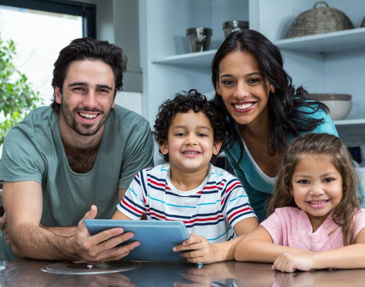 op-banner-family-img